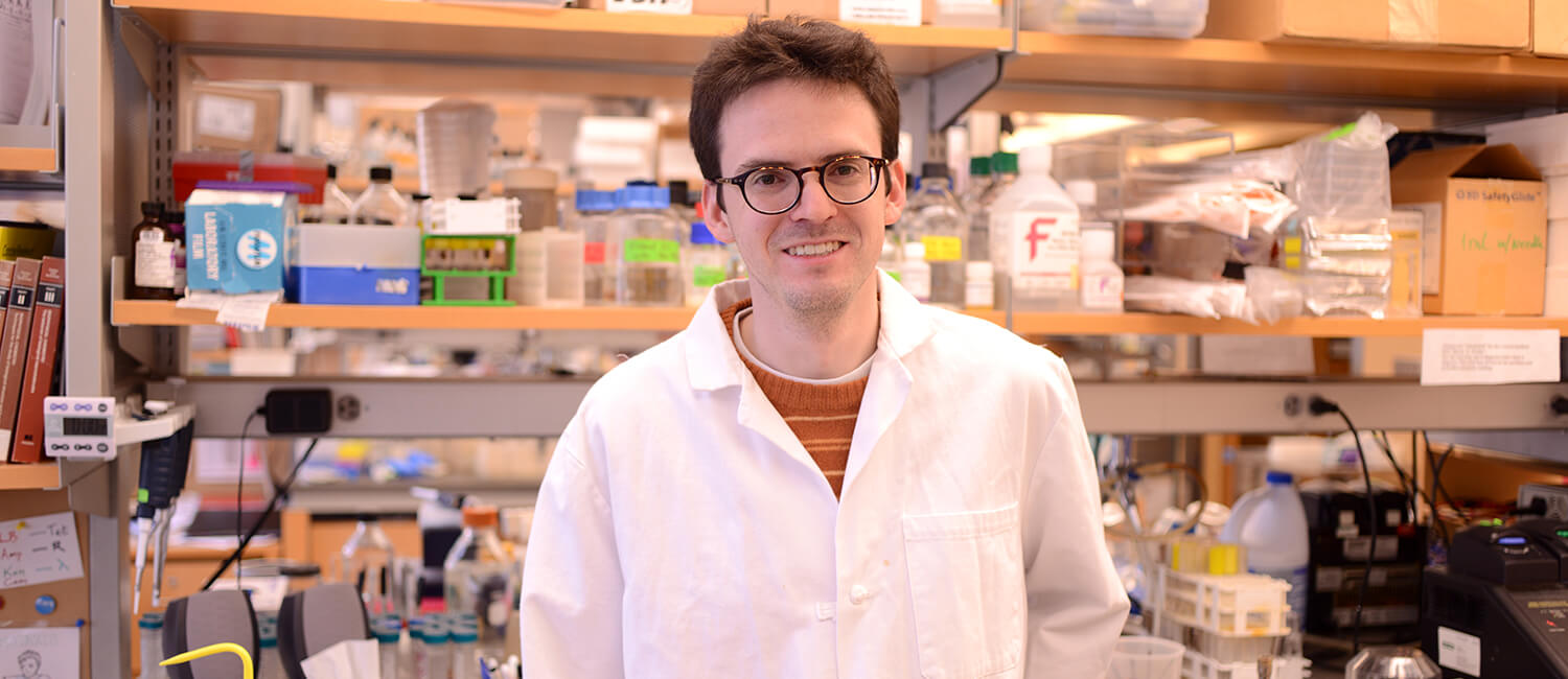 VMD-PhD student Jeff Carey