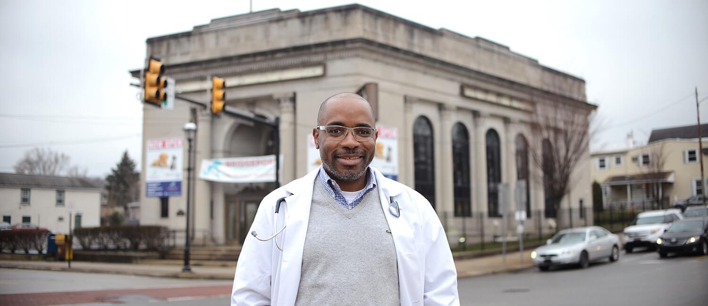 Dr. Craig McLahan, V'02