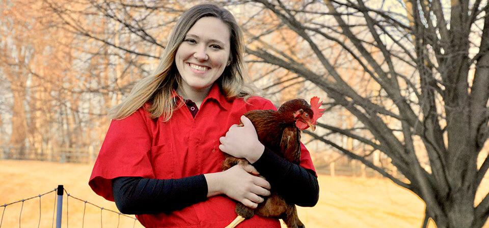 Penn Vet student Linnea Tracy has been awarded a scholarship presented to veterinary students focused on poultry health.